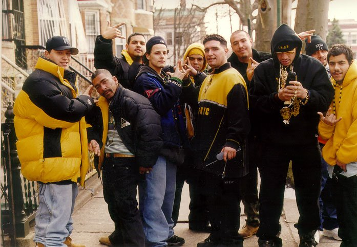 Latin king gang sign